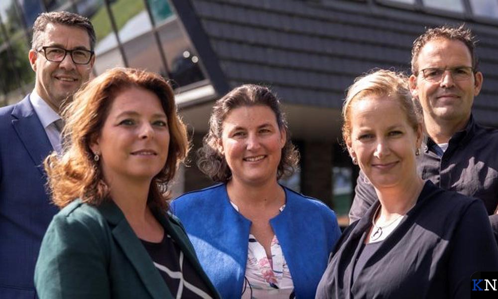 V.l.n.r. Jan Peter van der Sluis, Esther Koek, Mariska van Woerden, Miranda van der Wolf en Hans Vermeer.