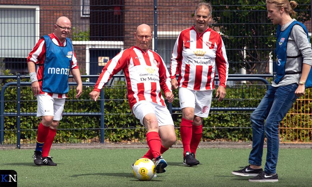 Bort Koelewijn in actie tijdens de clinic Walking Football.