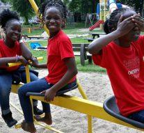 Oegandees kinderkoor te gast in Kampen-Zuid