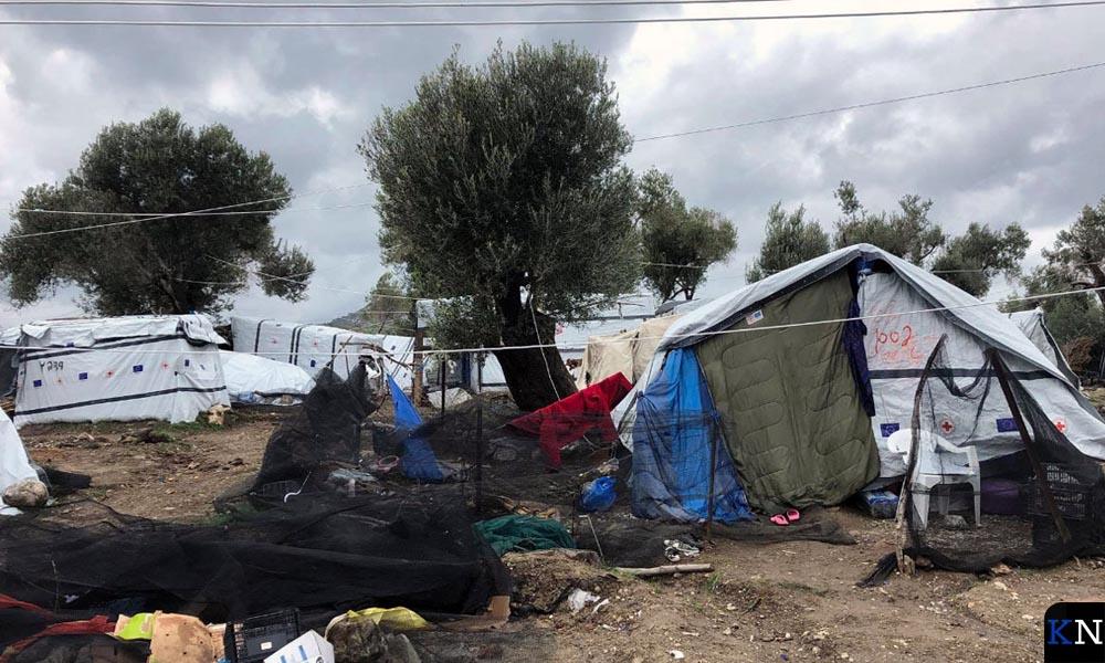Eén van de overvolle tentenkampen waar vluchtelingen onder erbarmelijke omstandigheden verblijven.