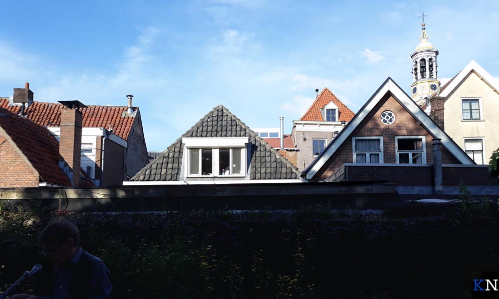 Achter Jan Ravensteijn laat het oude Kampen zich zien.