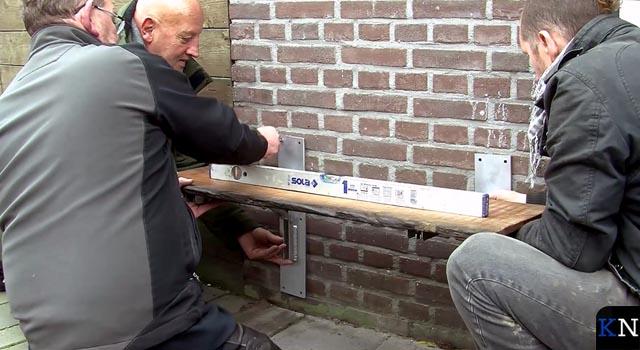 Babbelbankje nieuwe toepassing hout oude Stadsbrug (video)