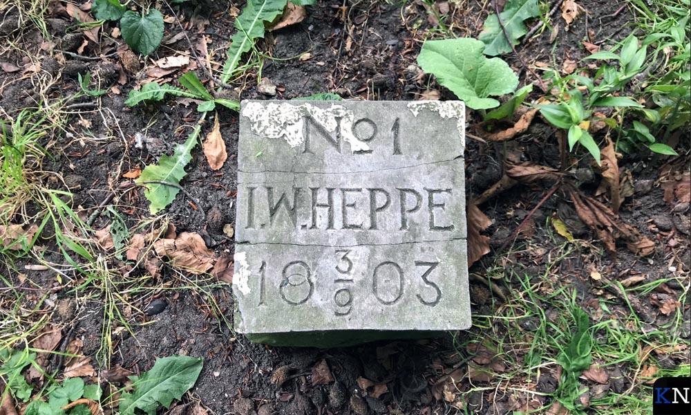 De grafsteen van Doctor Heppe.