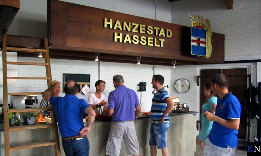 De informatiebalie van Hanzestad Hasselt in Noord-Overijssel.