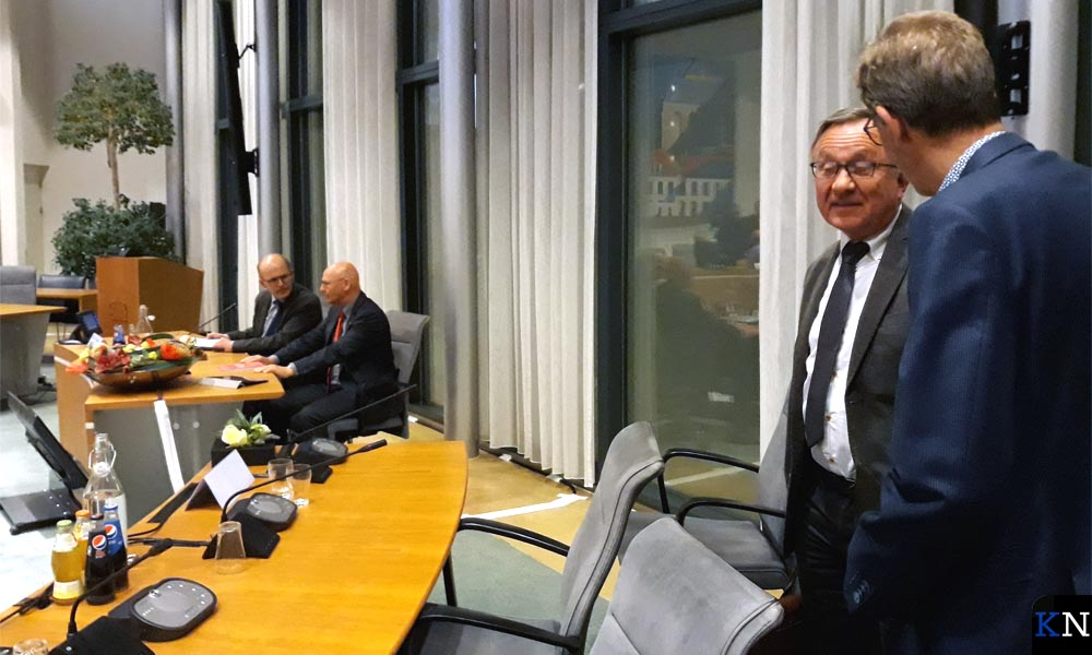 Remmelt de Boer en Jan Goedegebure praten na over het voorstel tot coalitie.