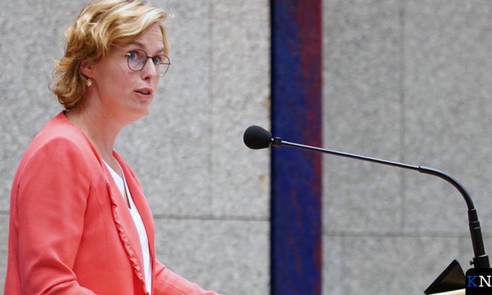 Kamper Tweede Kamerlid Hilde Palland tijdens haar 'maidenspeech'