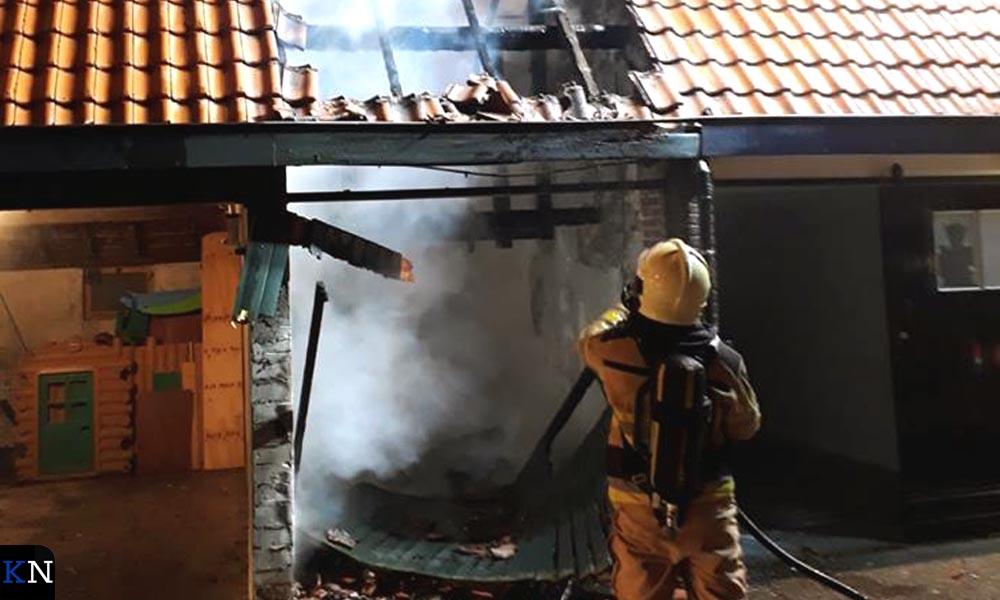 In de Groenestraat brandde op oudejaarsavond een garagebox uit.
