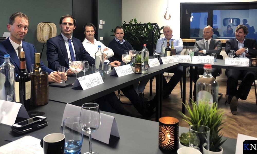 Het besloten rondetafelgesprek van Hoekstra met Kamper ondernemers.