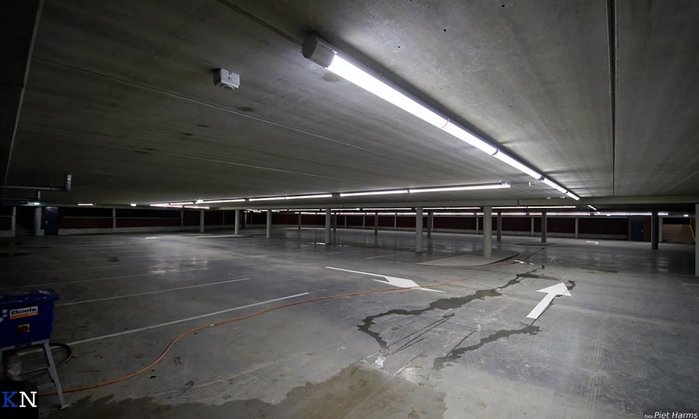 Het onderdek van parkeergarage Buitenhaven.