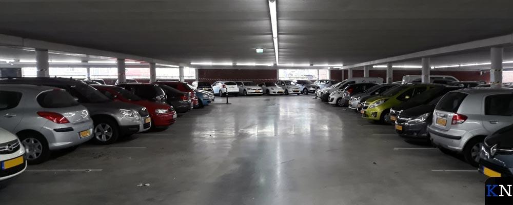De onderste laag van het parkeerdek aan de Noordweg.
