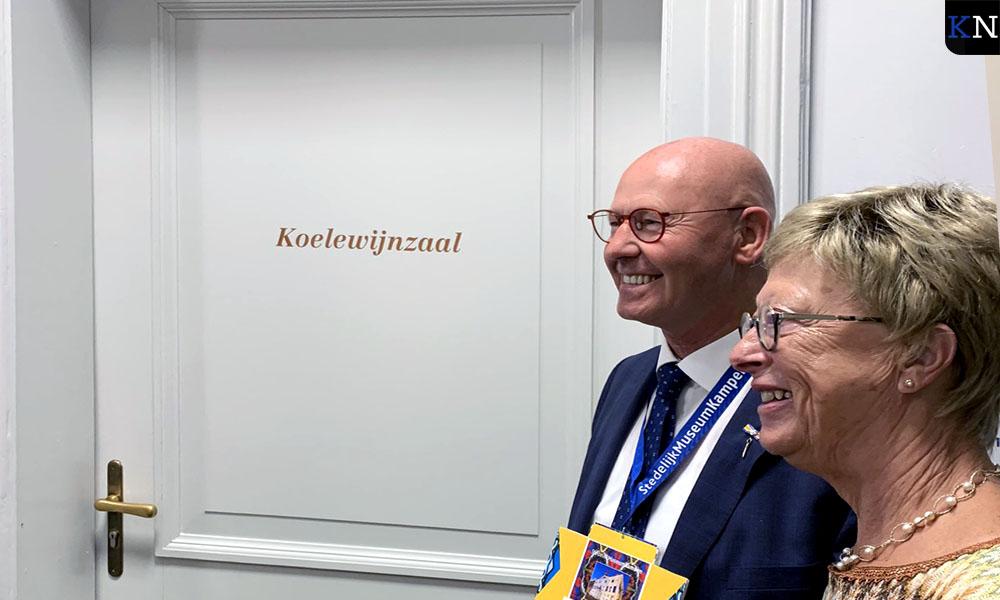 Bort en Anneke Koelewijn voor 'zijn' zaal in Stedelijk Museum Kampen