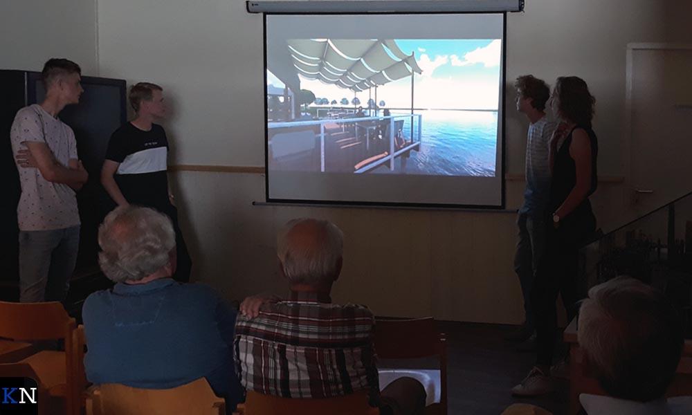 De studenten van het Cibap presenteren hun plan voor het stoomgemaal.
