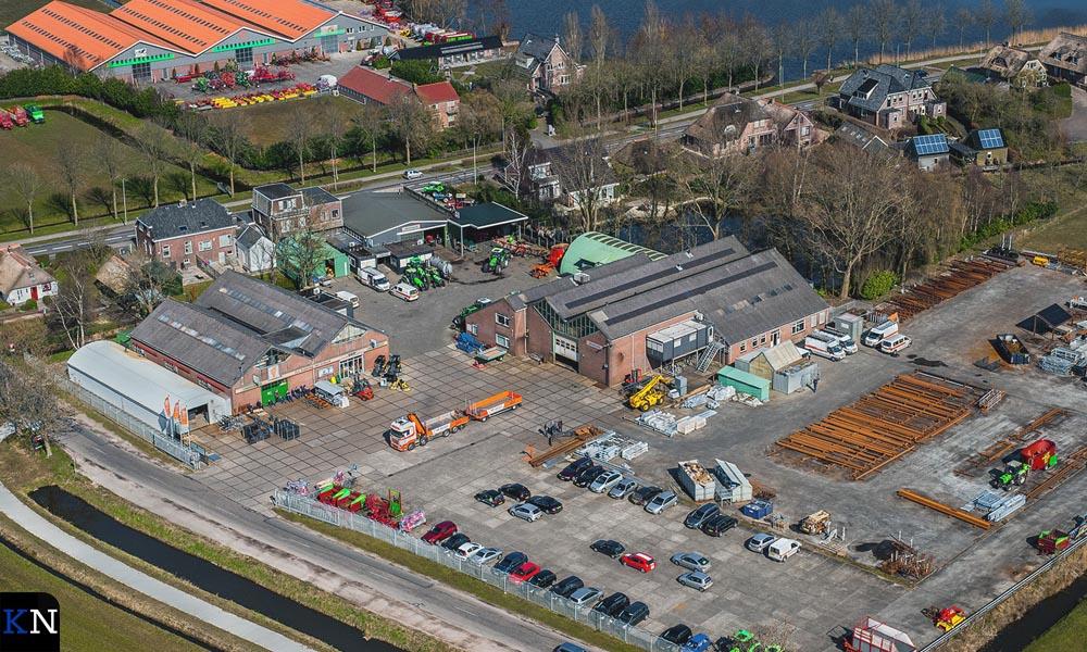 De terreinen van Van der Sluis Agri en Constructie aan de Kamperzeedijk 57.